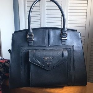 Black leather Guess purse ❤️